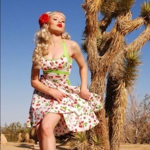 Pinup Couture White Cherry Daisy Dress Large